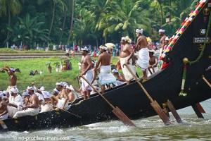 La course de snake-boat d'Aranmula