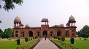 Mariam's_Tomb,_Sikandra,_Agra