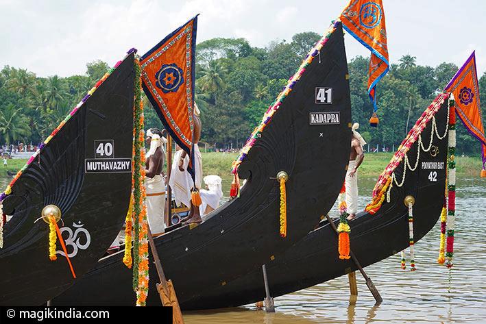 snake-boat aranmula kerala