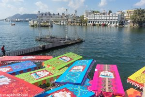floating market and view on Udaipur