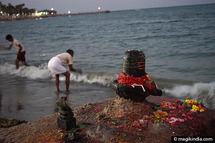 Hindu god shiva lingam