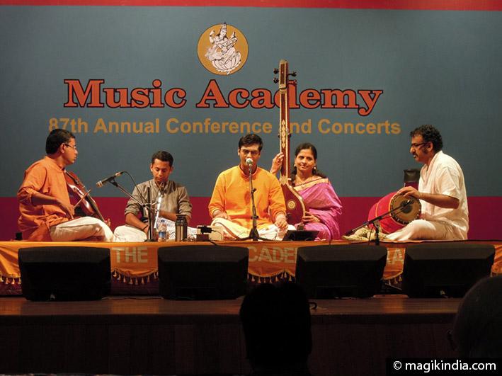 musique indienne carnatique